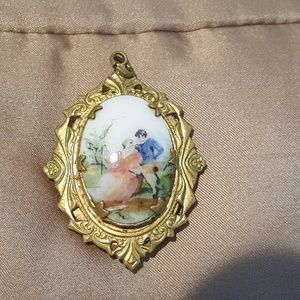 Antique Victorian locket w.painted porcelain cameo